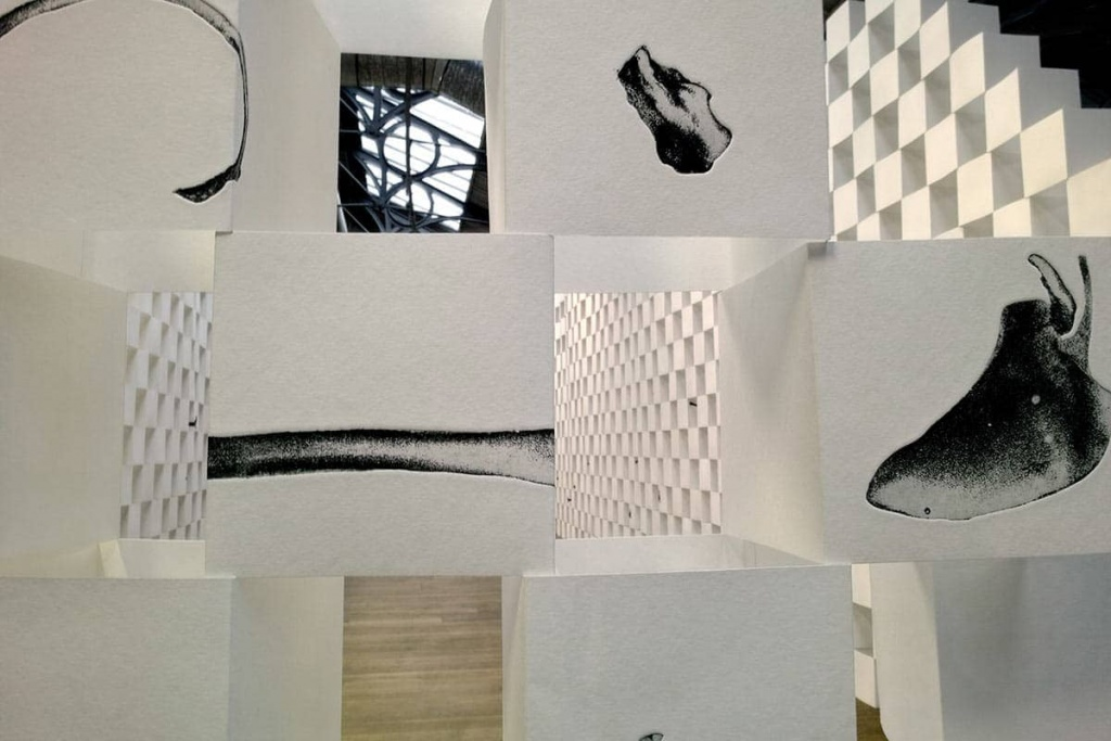 6_SIGNS,-etching-on-folded-paper,-dimensions-variable-each-cube-17x17x17cm